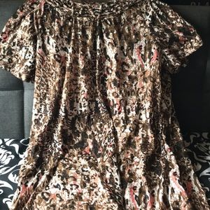 🧡 3/$25 White Stag Leopard Blouse